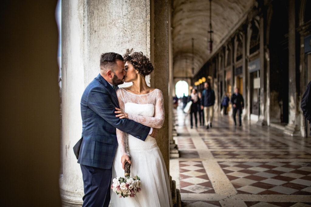 coppia di sposi a venezia