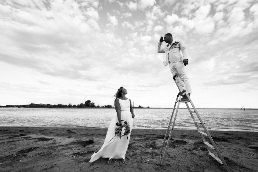 Foto ironica di matrimonio
